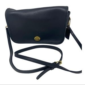 Coach vintage leather turn lock crossbody bag